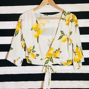 Tops - 🍋 Cropped top yellow green Lemons V neck wrapped